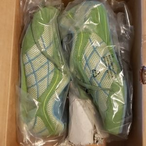 13 youth new in box green tennis shoes